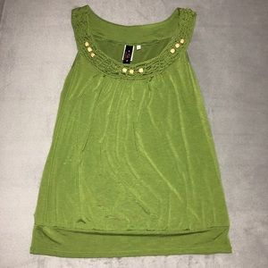 Green tank with beige beads